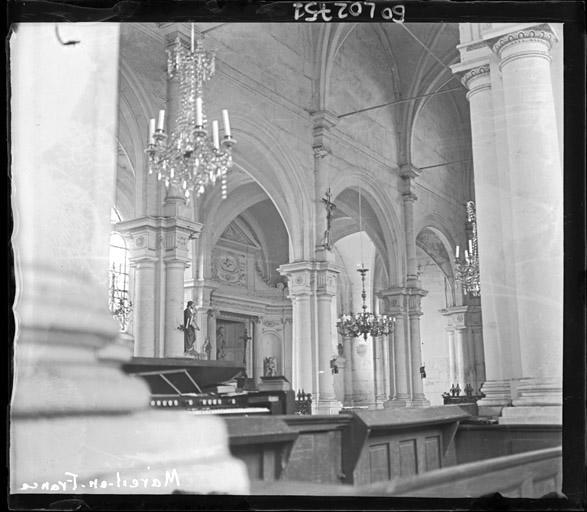 Vue intérieure de la nef : Grandes arcades
