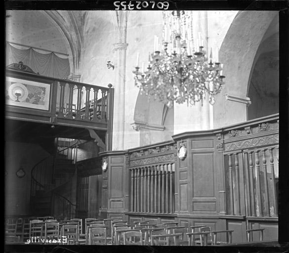 Vue intérieure de la nef : Angle nord-ouest