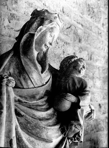 Statue en pierre : Vierge à l'Enfant, tête
