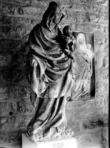 Statue en pierre : Vierge à l'Enfant