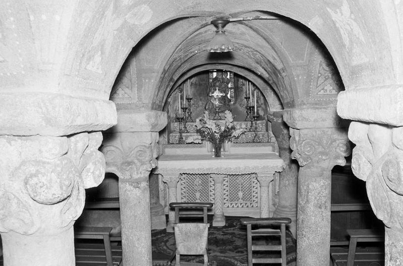 Crypte Notre-Dame-sous-Terre, intérieur