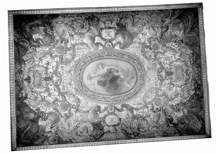Deuxième étage, quatrième pièce : ensemble du plafond