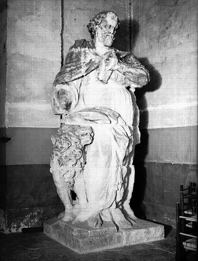 Statue en pierre provenant de la façade : saint Marc