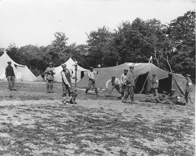 Ambulance allemande en arrière du front. Campement