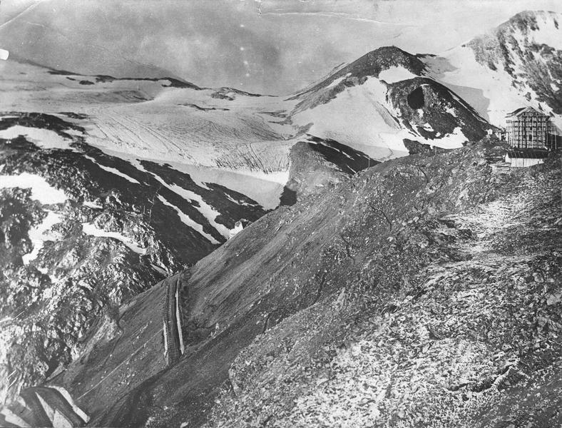 Route du Stilfserjoch, aux frontières italienne, suisse et autrichienne