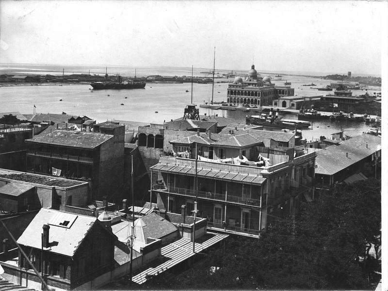 Port-Saïd et dans le fond le palais de la Compagnie du Canal de Suez