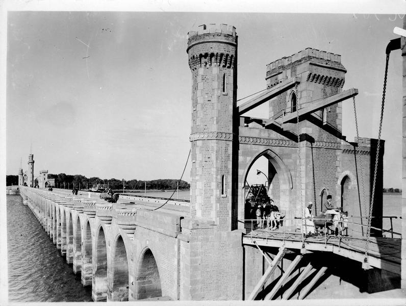 Le grand pont sur le Nil
