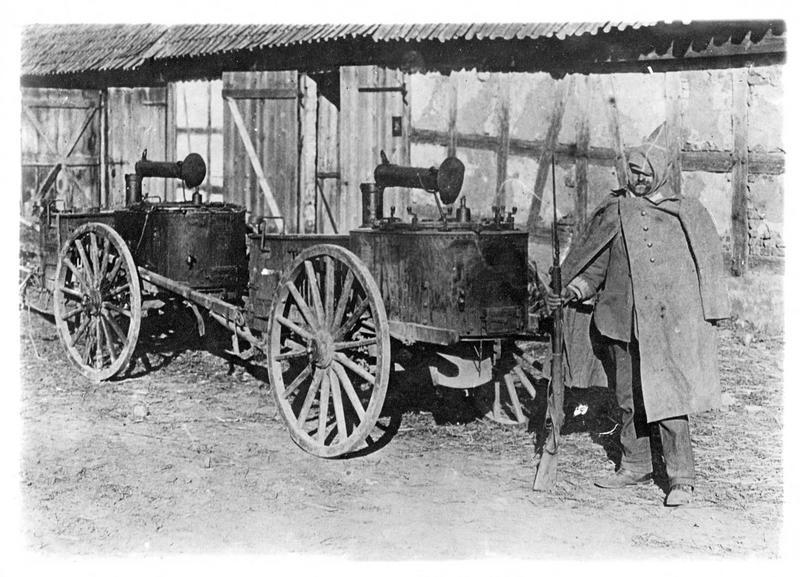 Guerre européenne. Sur le front russe, cuisines roulantes prises aux Allemands par les Russes aux environs de Lodz