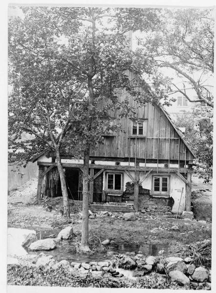 Maison détruite que le roi de Saxe, Frédéric-Auguste III, visita après la catastrophe de l'ouragan