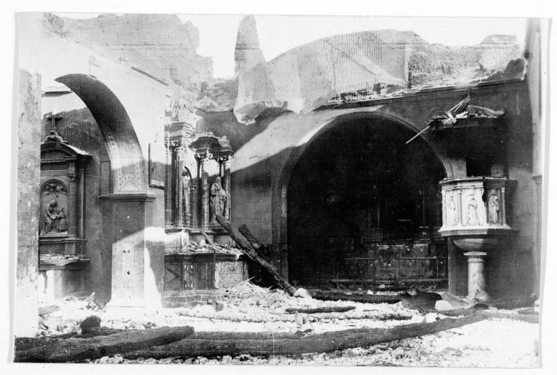 Intérieur de l'église détruite par les Italiens