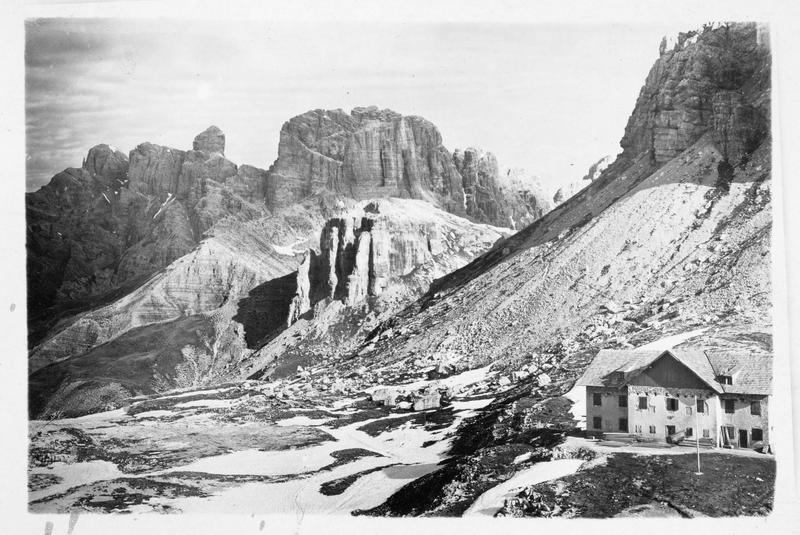 Vue sur les Dolomites, et le Monte Cristallo