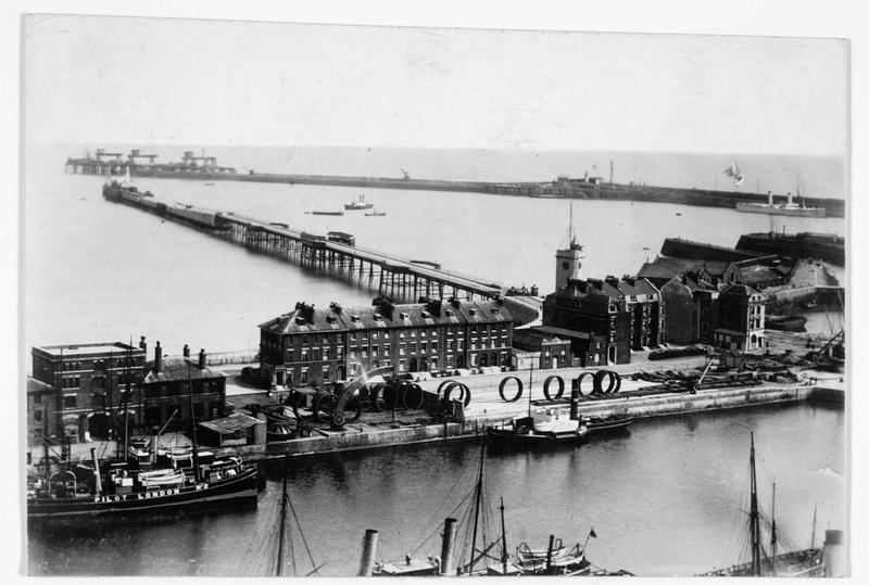 Vue du port de Douvres