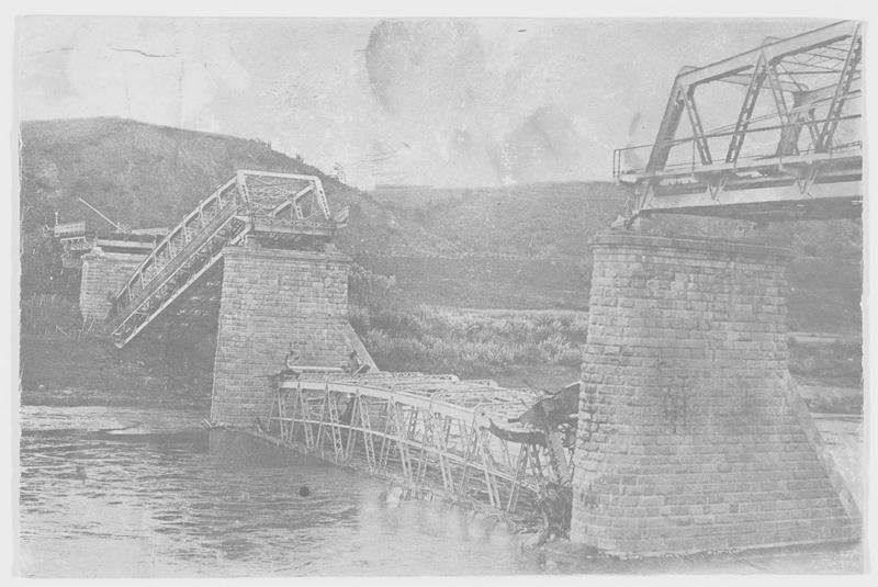 Le pont de chemin de fer de Wilna à Dünaburg (en allemand) détruit par les russes