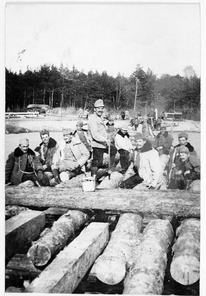 Construction d'un pont militaire sur la Pilica, par les pionniers de la cavalerie austro-hongroise