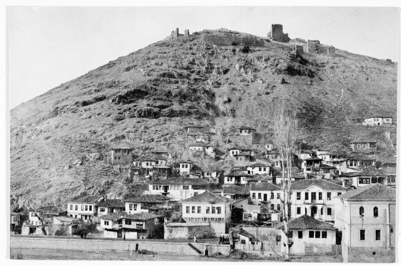 Ville à flanc de colline
