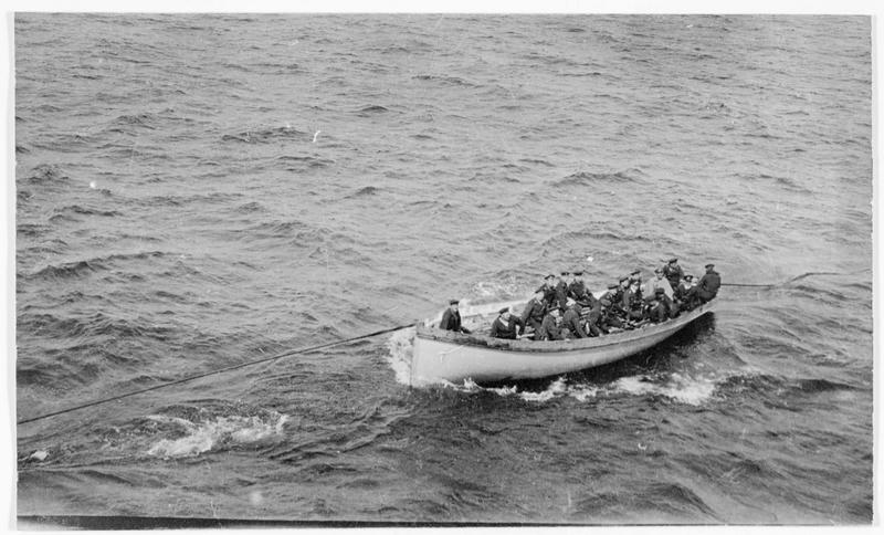 Chaloupe d'un navire de guerre allemand