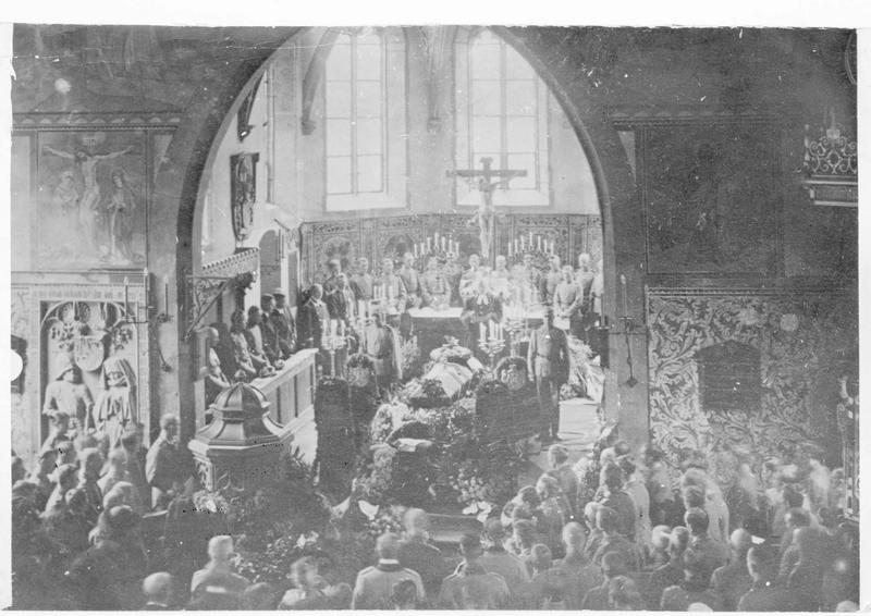 Les funérailles du prince Friedrich Wilhelm von Hessen, mort au combat dans la Dobroudja, loin de son pays, dans l'église de Cronberg