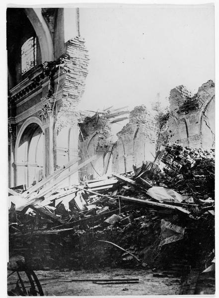 La cathédrale de Görlitz (en allemand) détruite par l'artillerie russe