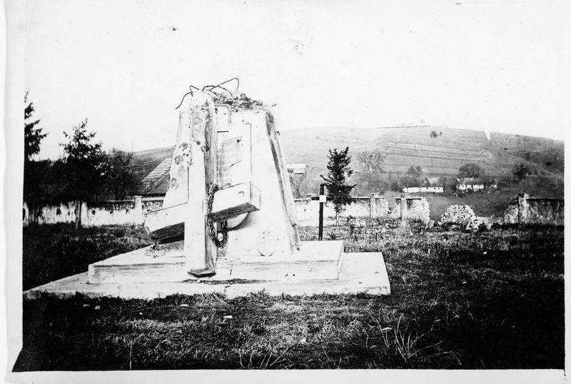 Monument aux soldats austro-hongrois morts à Berejany, détruit par un obus russe