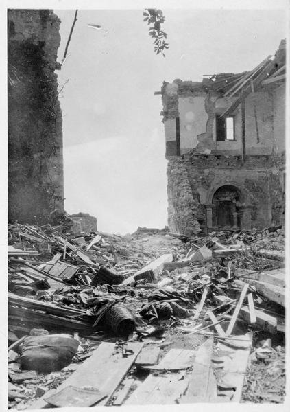 Evacuation imminente de Görz. Ruines
