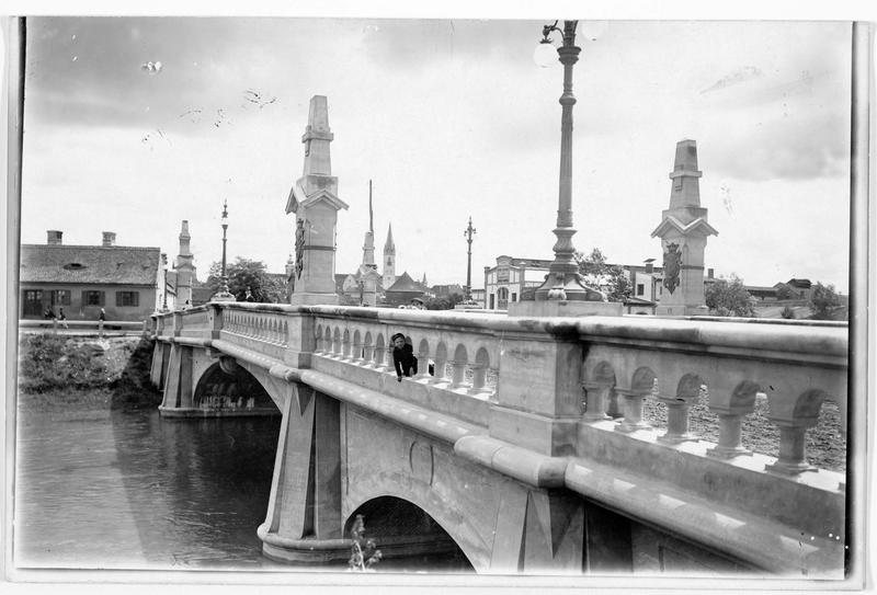 Hermannstadt (en allemand), vue du nouveau pont sur la Cibin
