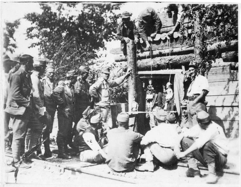 Théâtre de marionnettes sur front austro-hongrois de la Brenta