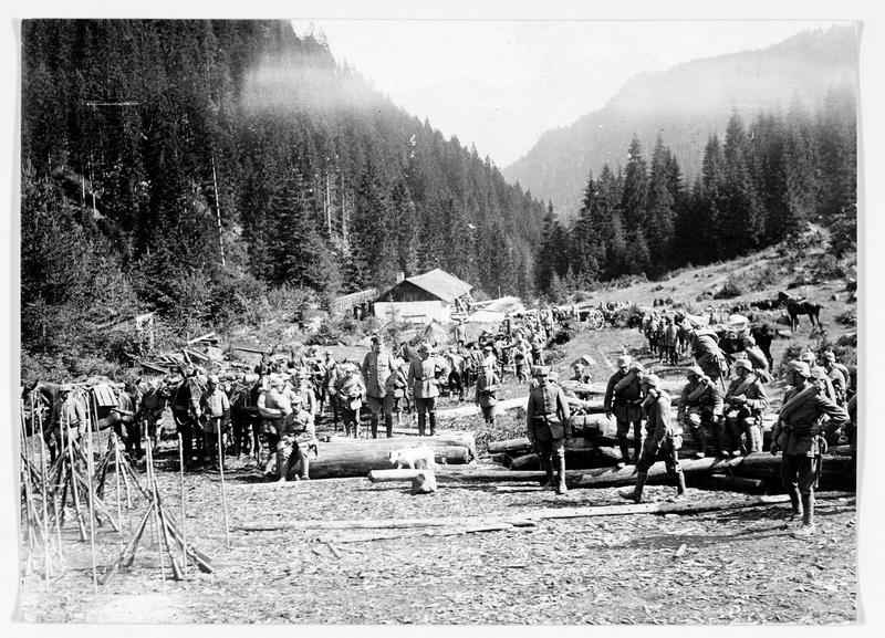 Halte d'une colonne allemande dans les Vosges
