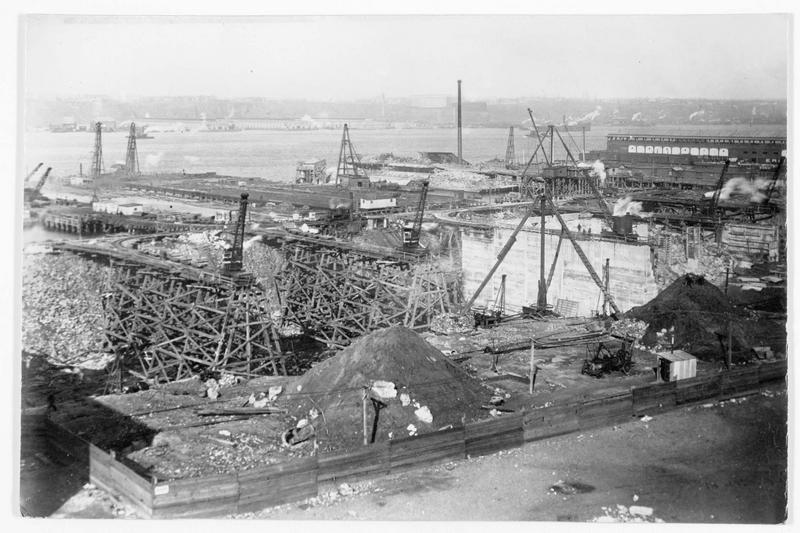La construction du grand port de la rivière Hudson, qui sera le travail le plus considérable entrepris jusqu'à présent