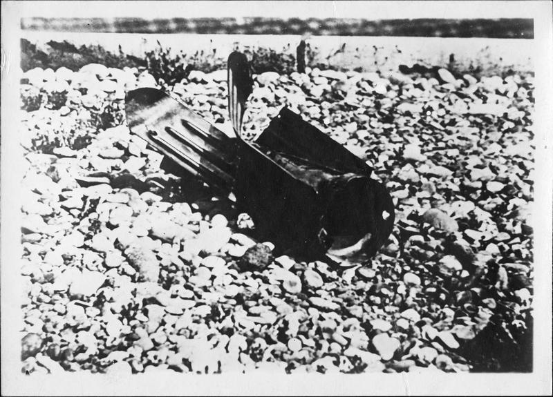 A Karlsruhe, après un raid aérien des Alliés. Une bombe après l'explosion