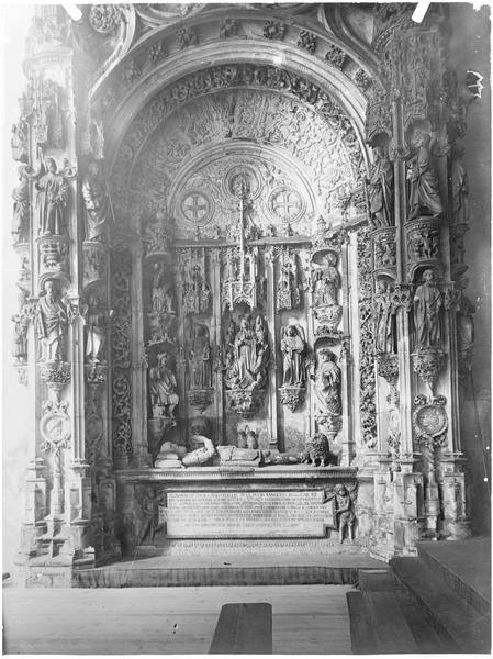 Intérieur de l'église Santa-Cruz