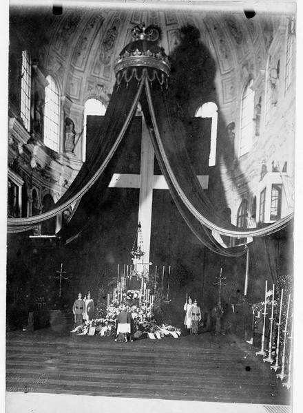 Le catafalque du roi Othon (Otto) 1er de Bavière dans l'église Saint-Michel