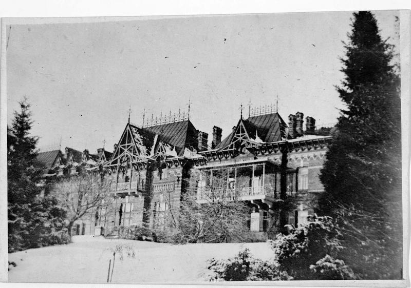 Le château de chasse de Bjelowjesk, près de Brest-Litowsk (anciennement)