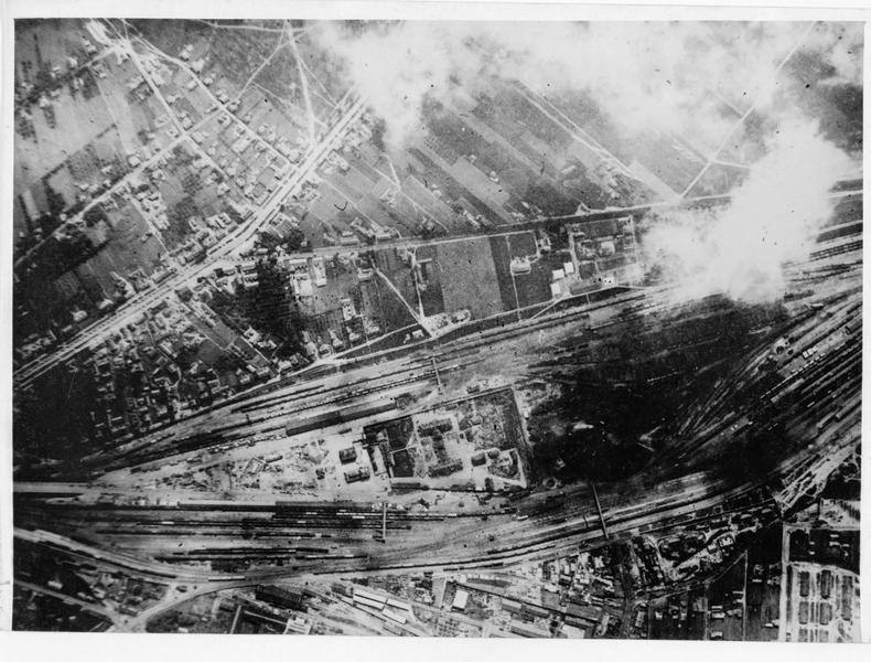 Photographie aérienne montrant la gare