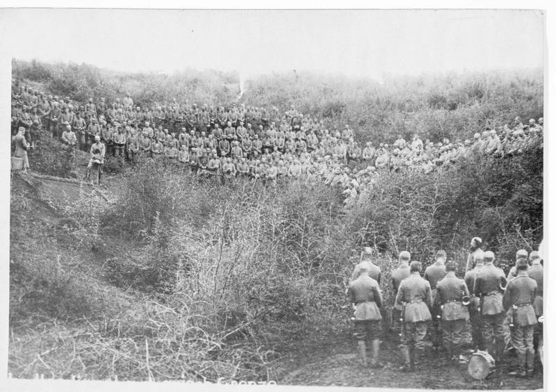 Service religieux allemand derrière le front de Macédoine, près de la frontière grecque