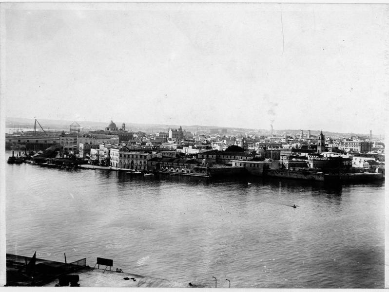 Vue sur le port de La Havane