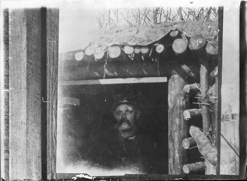 Soldat français dans un abri