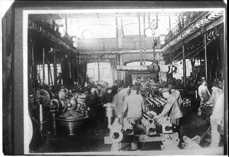 Usine Krupp [intérieur d'un atelier]