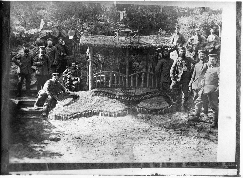 Transmis en juin 1915. [Abris décorés]
