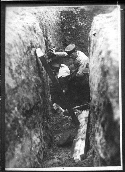 Tranchées à l'arrière du front allemand