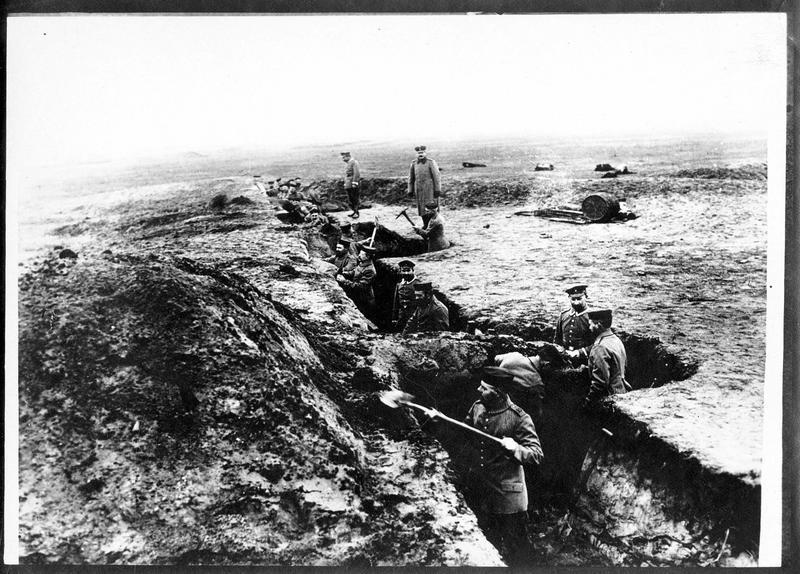 Construction de tranchées allemandes
