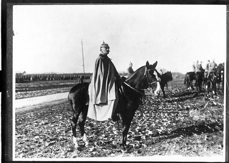 Le capitaine Schlosfelt ,«lequel s'est battu déjà en 1870», sur son cheval