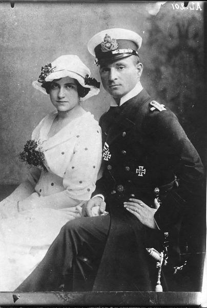 Portrait du capitaine lieutenant du «U.29», Otto von Weddigen et sa femme