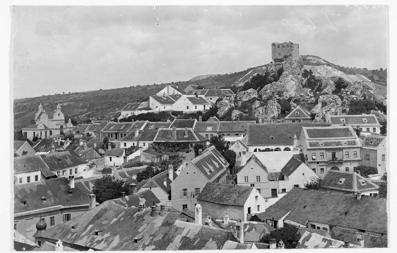 Panorama de la ville de Nikolsburg où furent signés, le 26 Juillet 1866, les préliminaires de paix entre l'Autriche et la Prusse