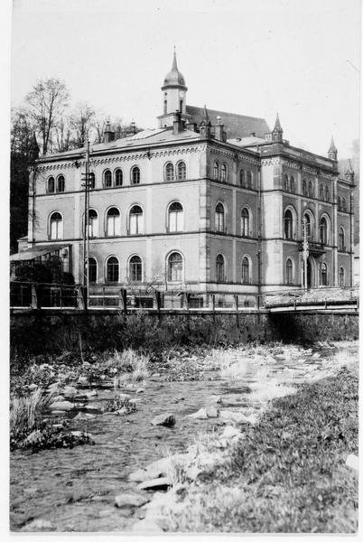 Ecole supérieure de Tharandt, dite Académie forestière, dont on célèbre le 100ème anniversaire