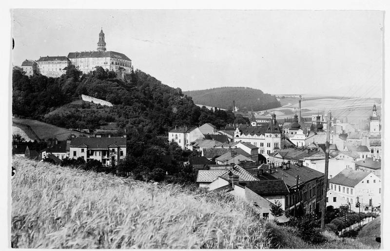 Nachod en Bohème, où le 27 juin 1806, le kronprinz de Prusse gagna une bataille sur le feld-maréchal austro-hongrois, Wilhelm Freiherr Ramming von Riedkirchen. Vue sur la ville