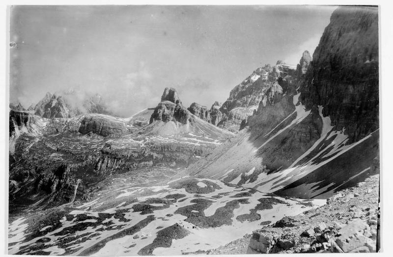 Le col du Paternsattel au pied des Trois Cimes, à la frontière entre l'Italie et l'Autriche
