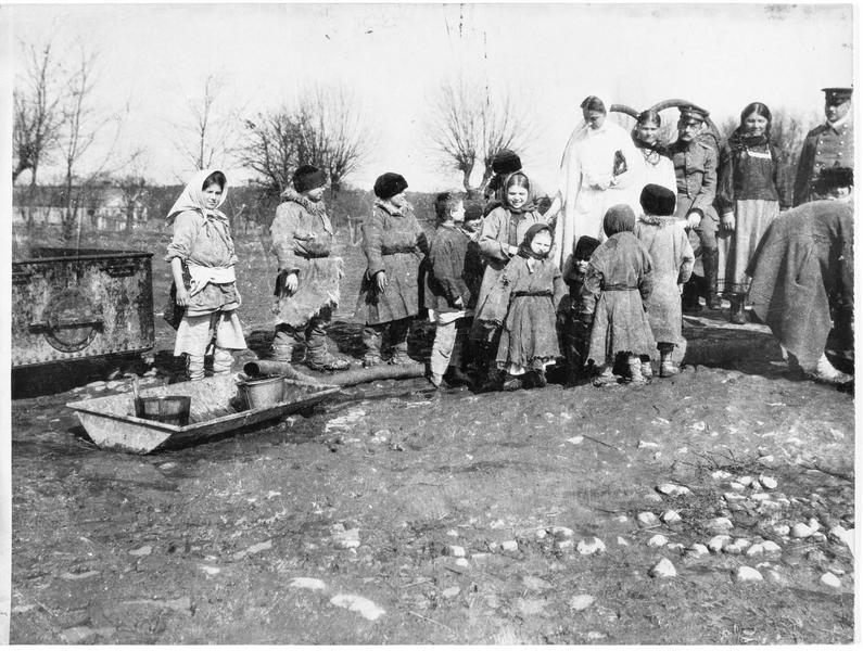 Camp de réfugiés. Nettoyage