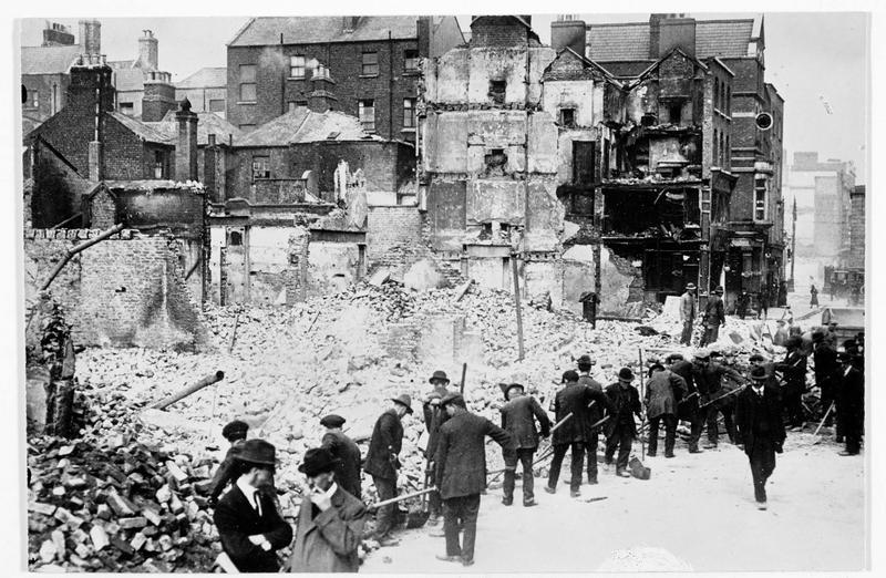 Déblaiement des ruines, à Sackville street