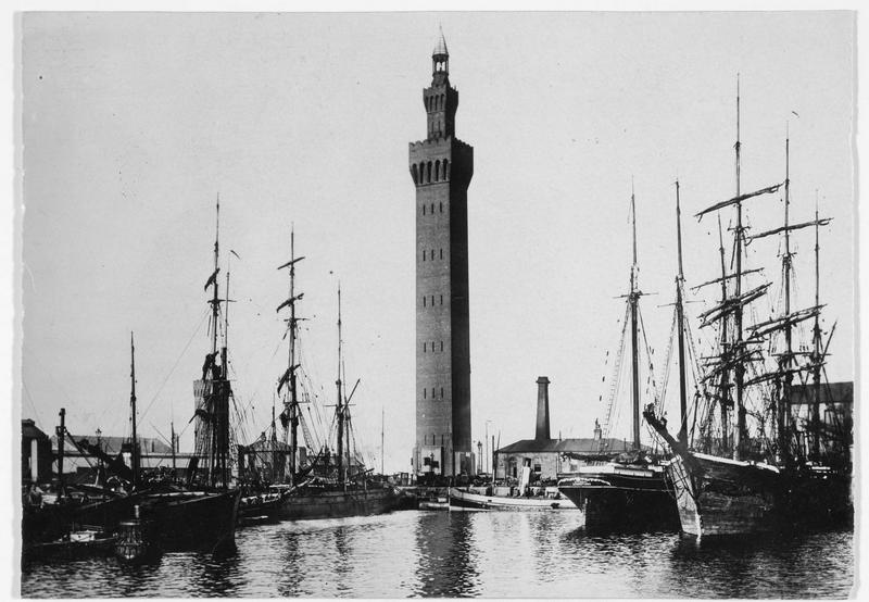 Le port de Grinisby, qui a subi les derniers raids des zeppelins