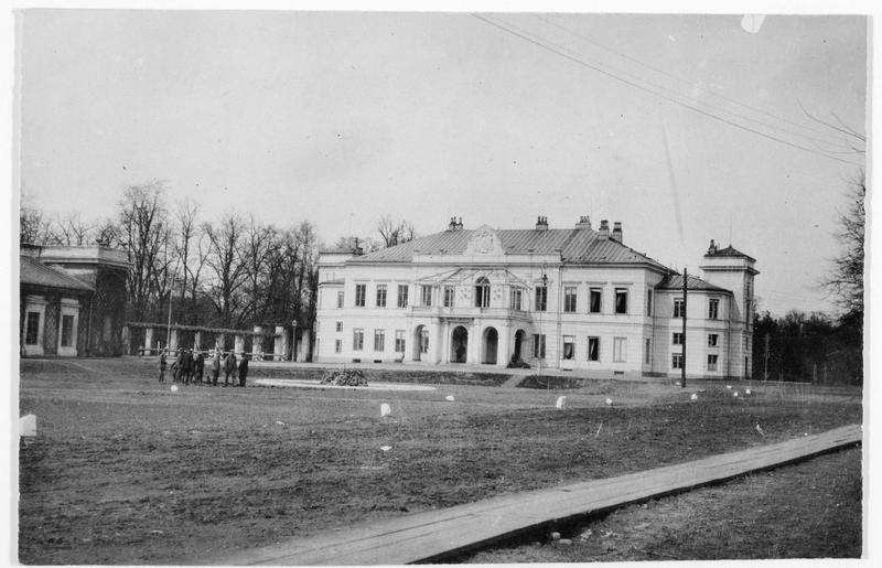Le château de Skierniewice où se réunirent les trois empereurs d'Allemagne, d'Autriche et de Russie en 1884